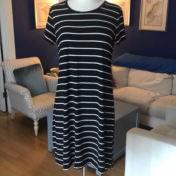 Liz Lange Dresses & Skirts - Liz Lange Maternity Black/White Striped Dress Sz S